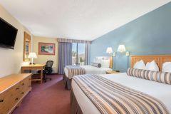 Wyndham Garden Hotel photo
